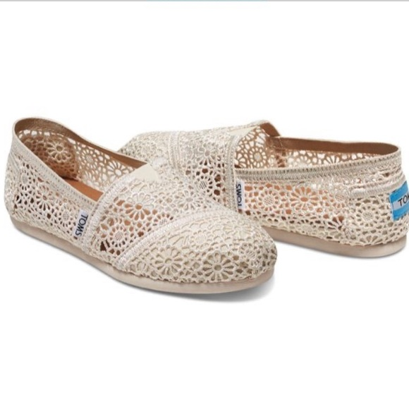 TOMS White Lace Flats Women's Size 7.5